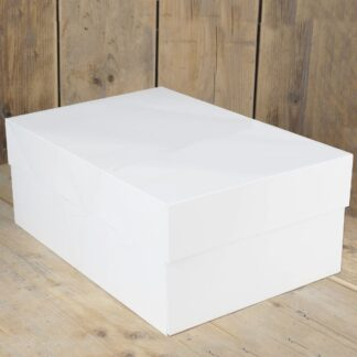 witte taartdoos van 40,6 x 30,4 cm en 15 cm hoog